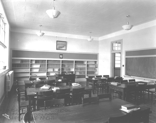 brykerwoods_1940s-library